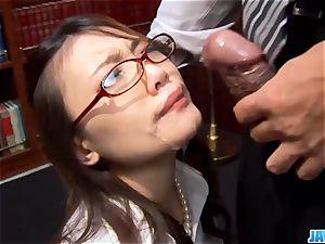Subtitles - Ibuki, chinese secretary, nailed in office