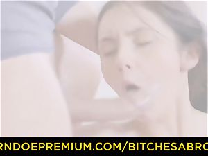 hoes ABROAD - Tourist Crystal Greenvelle likes double penetration