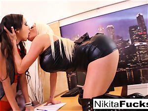 Nikita's lesbo office screw