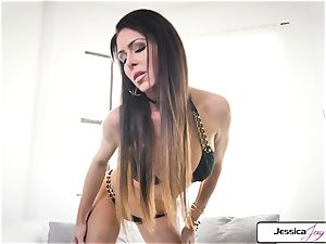 Jessica Jaymes demonstrate you her yam-sized tits and raw beaver