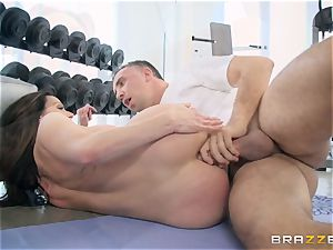 kinky dark-haired Kendra passion ass fucking humped at the gym