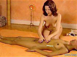 rubdown For femmes Is erotic