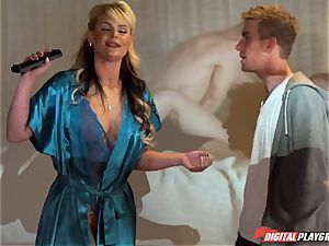 youthful fellow Danny Dee pokes his ex-girlfriend's chesty mummy Phoenix Marie
