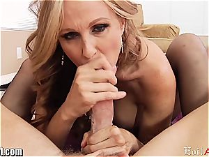 insatiable mummy Julia Ann gives a muddy point of view oral pleasure