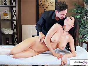 Jessica Jaymes takes Brad's large knob and gets humped