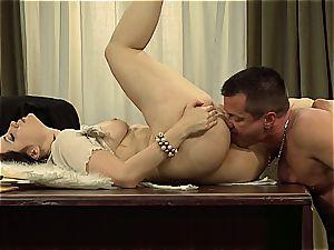 Kimberly Kane's raw vag gets rode