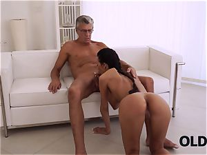 OLD4K. brilliant secretary tempts old boy to get another promotion