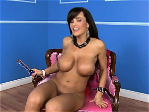 marvelous Lisa Ann plunges her fuck stick deep in her raw cootchie