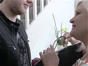 AgedLovE huge-titted Lacey Starr gonzo and blowjob