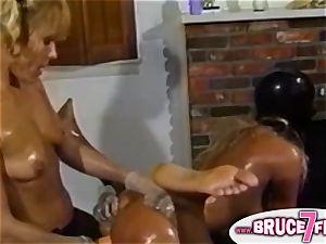 Retro lesbos belt dick