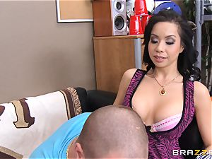 Kimmy Lee humps her stepsons insatiable roommate