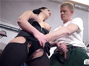 butts BUERO - German secretary smashes manager and repairman