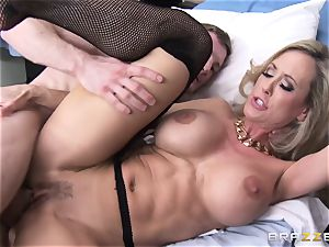 Rock rock hard patient gets penetrated by physician Brandi love