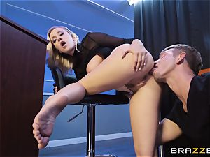Bailey Brooke gets jiggish with the hung bouncer