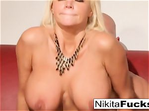 Russian cougar Nikita takes a fat pipe