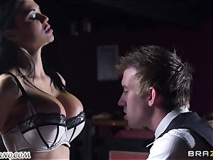 magnificent huge-boobed waitress Jasmine Jae gets her taut labia pounded by Danny