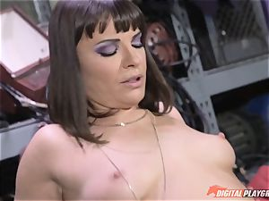 Dana DeArmond gets her handsome taut cunny gobbled and played with