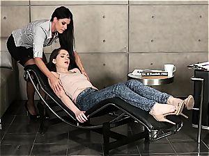 India Summers and Joseline Kelly lezzy antics