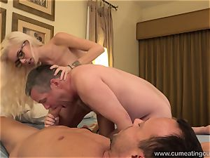 Halle Von and Her Cuck husband Take Turns fellating pipe