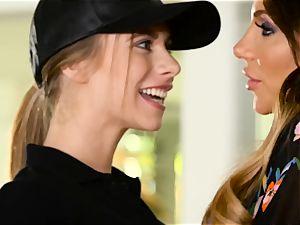 Pizza girl Anya Olsen seduced by handsome cougar Jaclyn Taylor