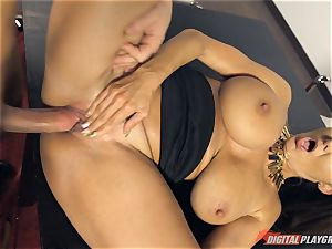 steaming office babe Ava Addams banged deep in her cootchie pie pudding