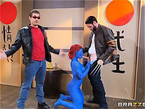 Blue bombshell Nicole Aniston three way