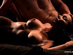 sensual massage turns into a sensuous shag