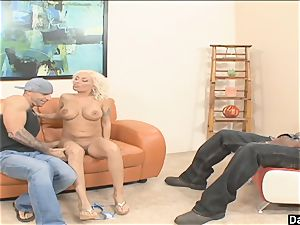 insatiable Lisa Lennox Proves Too Much For dude